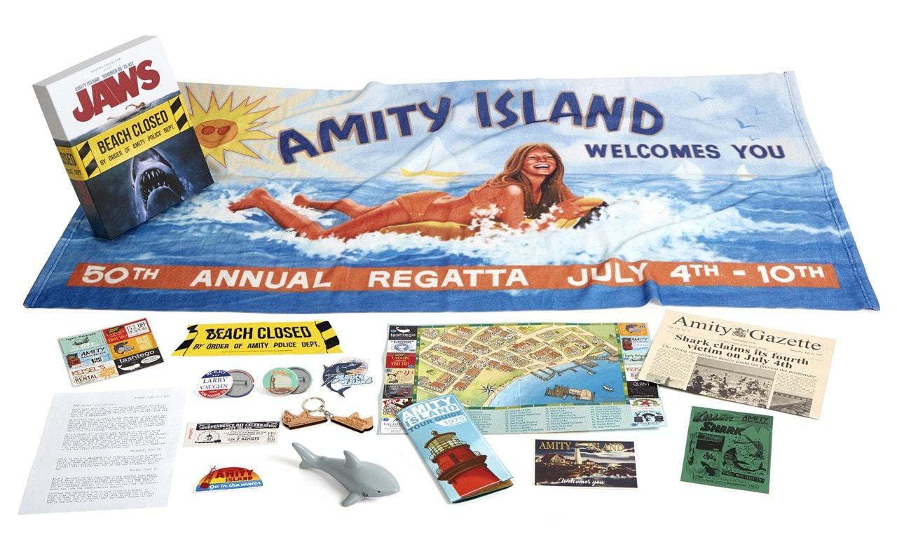 Jaws Amity Island Summer Of 75 Kit - 1