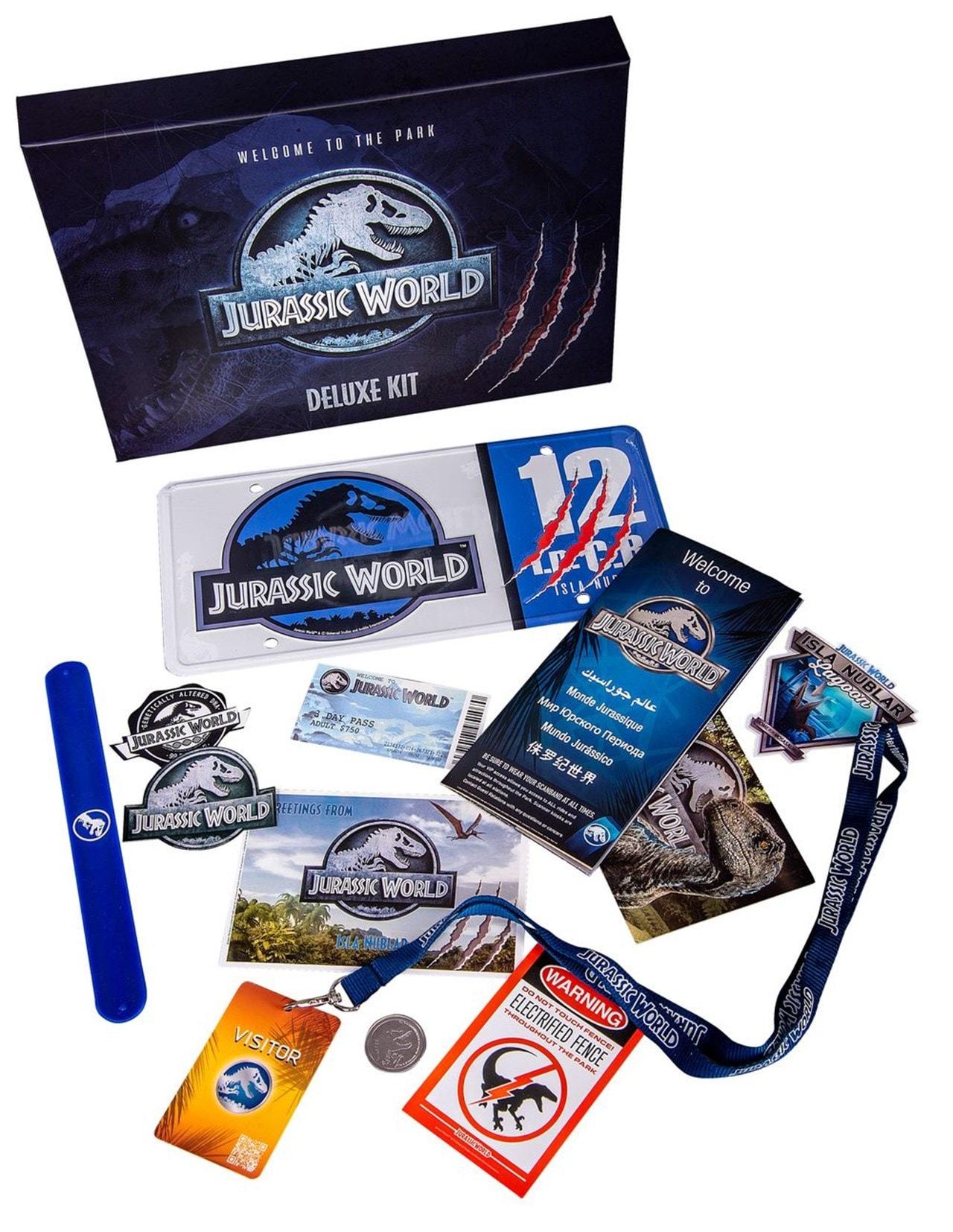 Jurassic World Deluxe Kit - 1