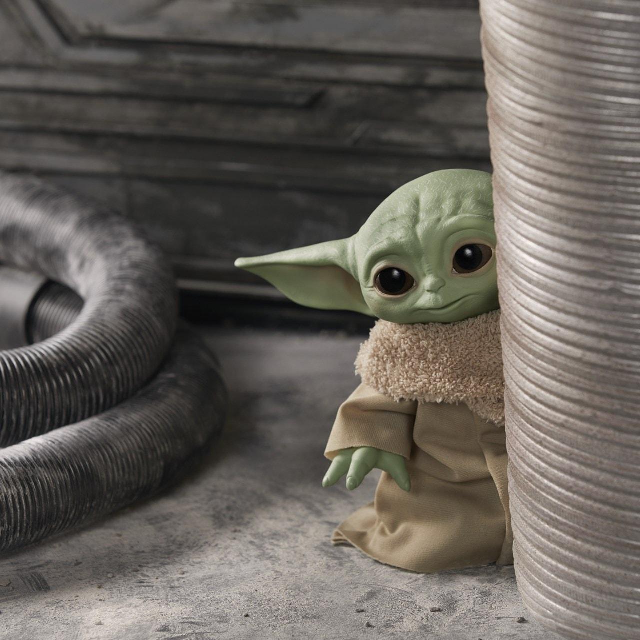 Star Wars: The Child (Baby Yoda) Talking Plush Toy - 2