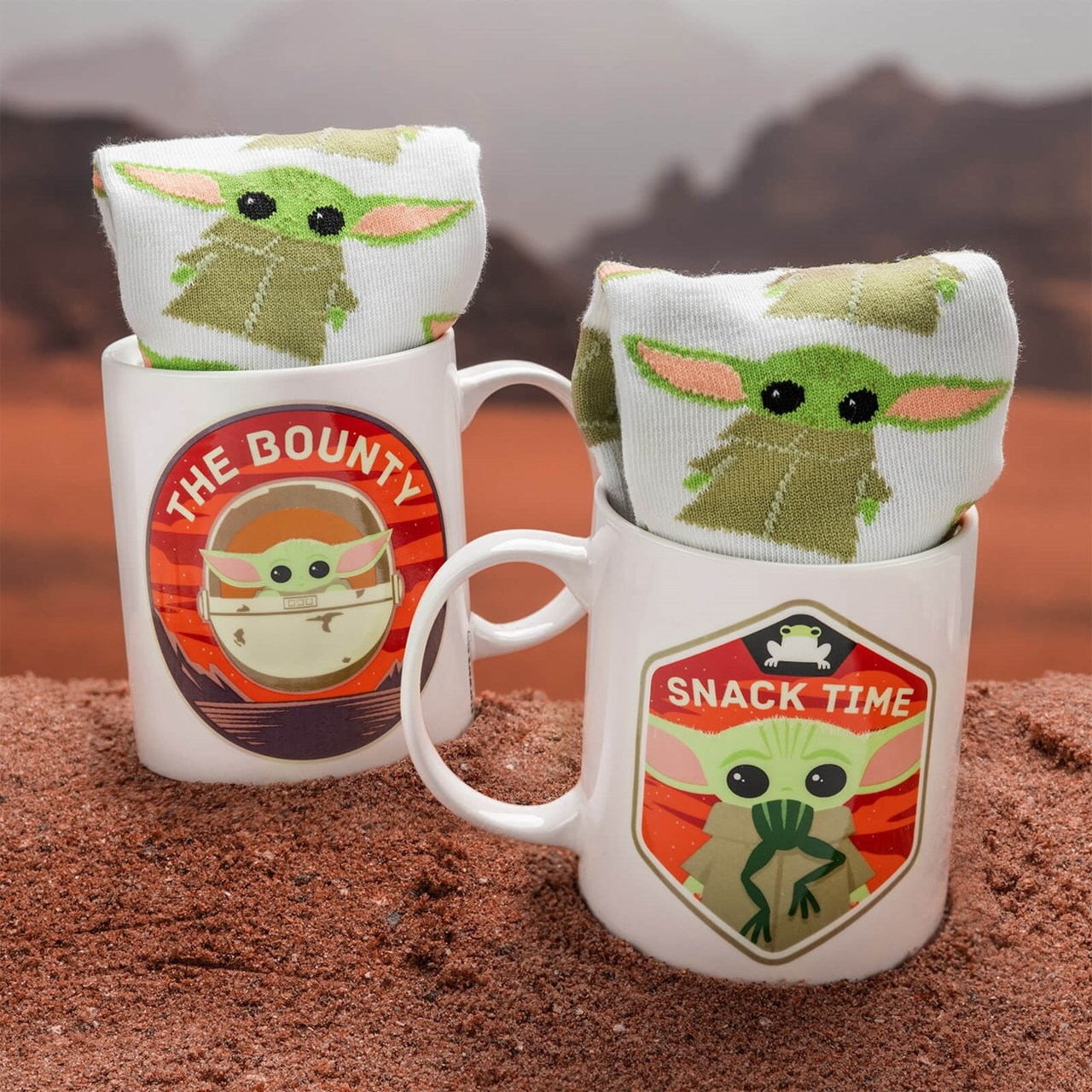 The Child: The Mandalorian: Star Wars Mug & Socks Gift Set - 2