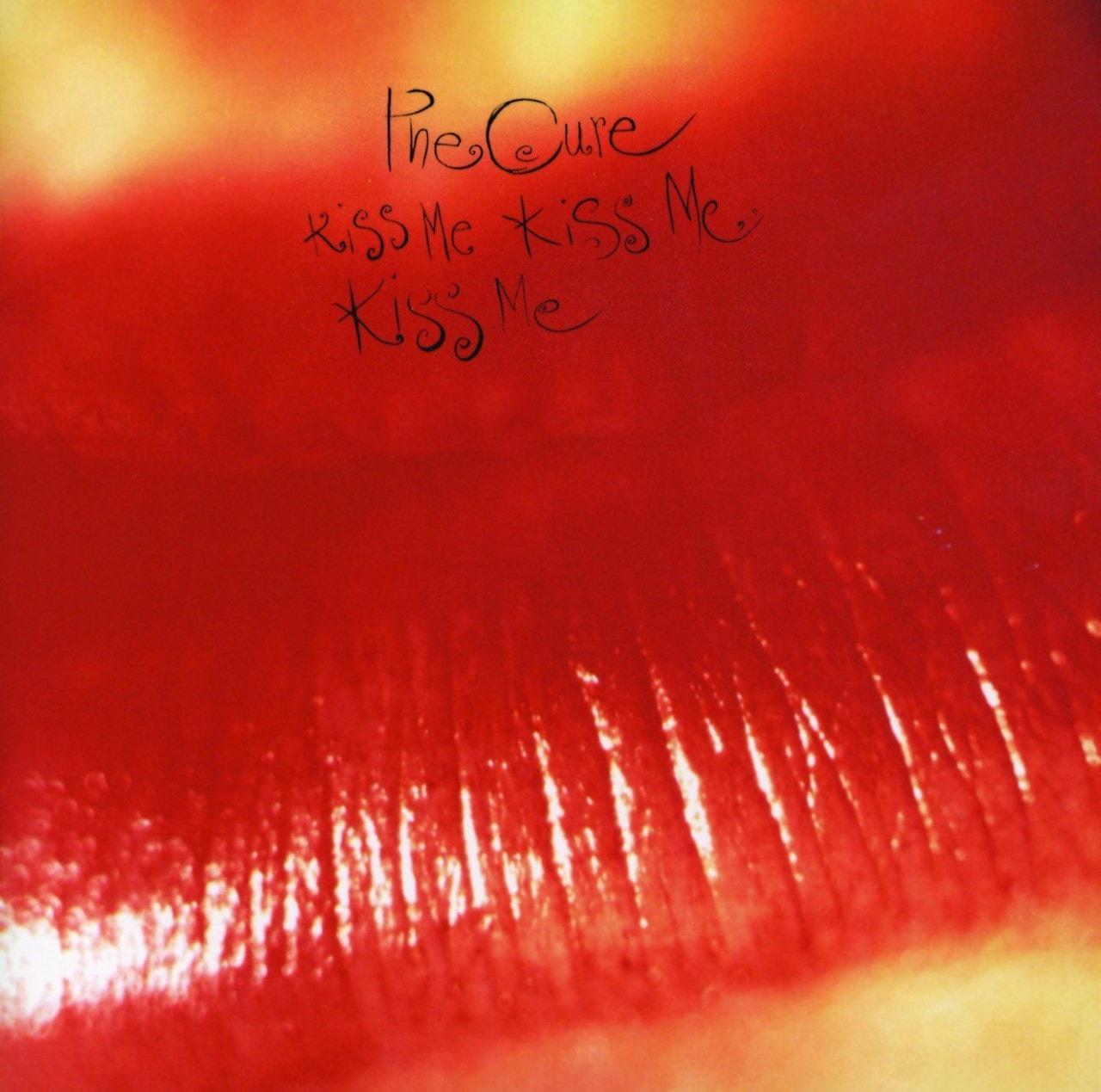 Kiss Me, Kiss Me, Kiss Me - 1