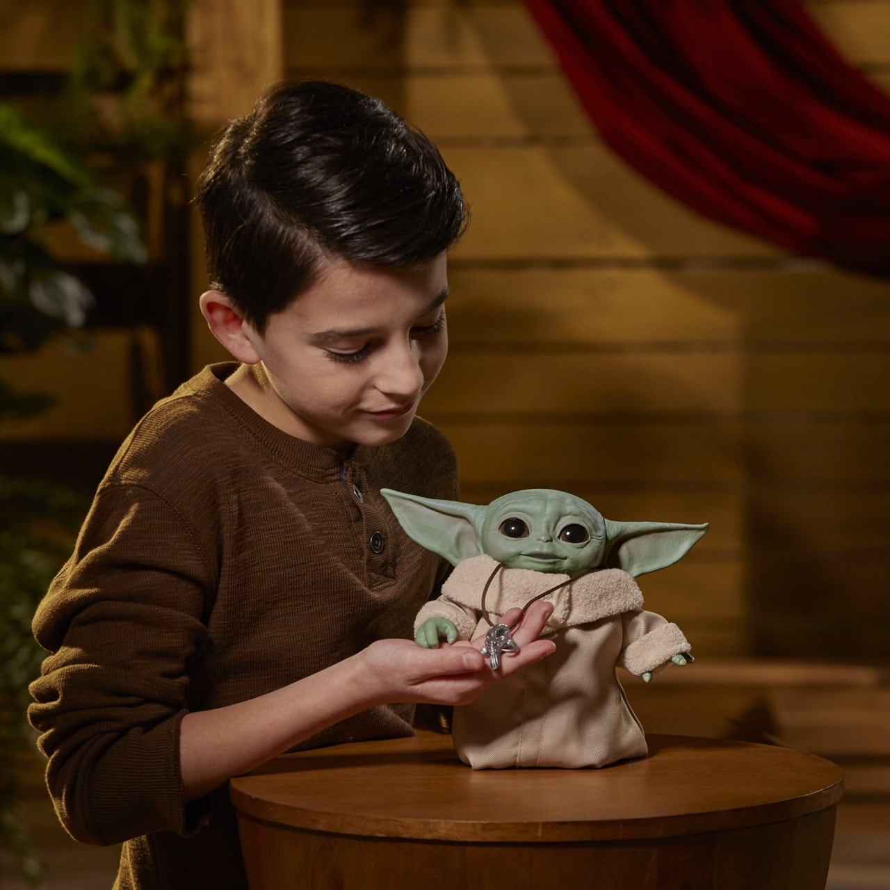 Star Wars: The Child (Baby Yoda) Animatronic Toy - 3