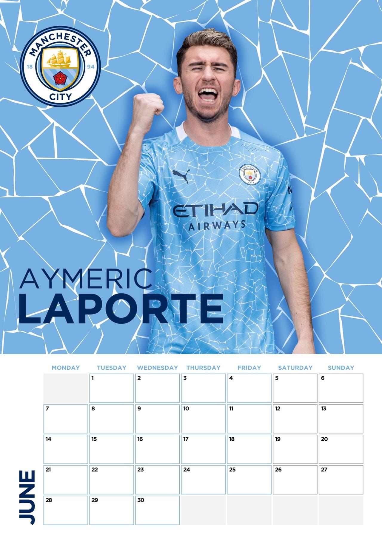 Manchester City FC: Football A3 2021 Calendar - 2