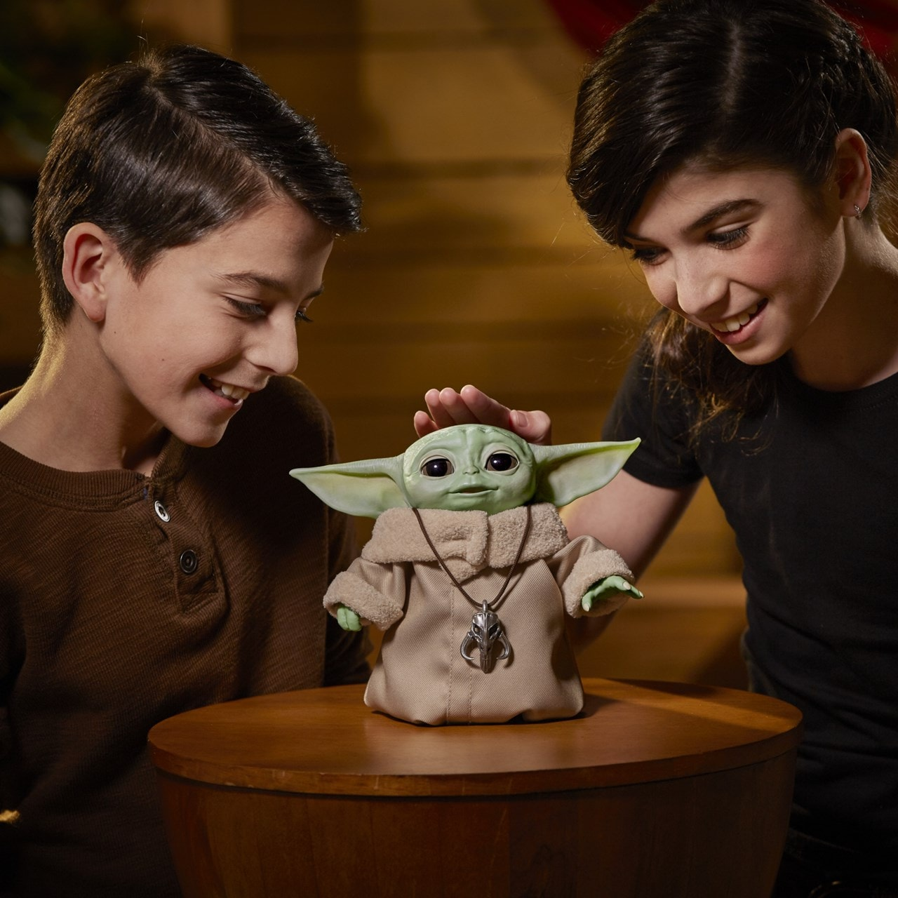 Star Wars: The Child (Baby Yoda) Animatronic Toy - 2
