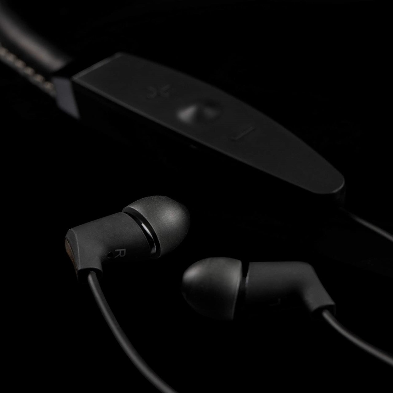 Klipsch R5 Black Neckband Bluetooth Earphones - 2
