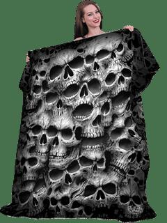 Twisted Skulls Fleece Blanket - 1