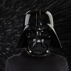 Darth Vader Electronic Helmet: Star Wars Black Series - 1