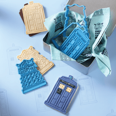 Doctor Who: Apron & Cookie Cutter Baking Set Hero Collector - 2