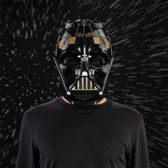 Darth Vader Electronic Helmet: Star Wars Black Series - 4