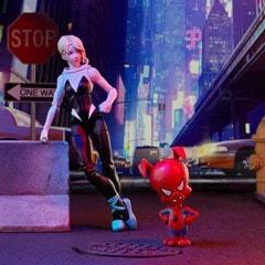 Gwen Stacy: Spider-Man: Into The Spider-Verse Marvel Legends Action Figure With Spider-Ham - 6