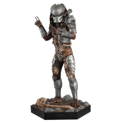 Masked Predator Figurine: Hero Collector - 1