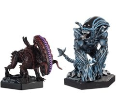 Alien: Bull And Gorilla Action Figures - 2