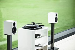 Pro-Ject Essential III BT Black Bluetooth Turntable - 4