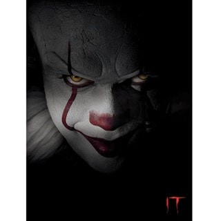 IT: Pennywise Close-up Canvas Print