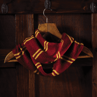 Harry Potter: Gryffindor House Cowl: Knit Kit: Hero Collector