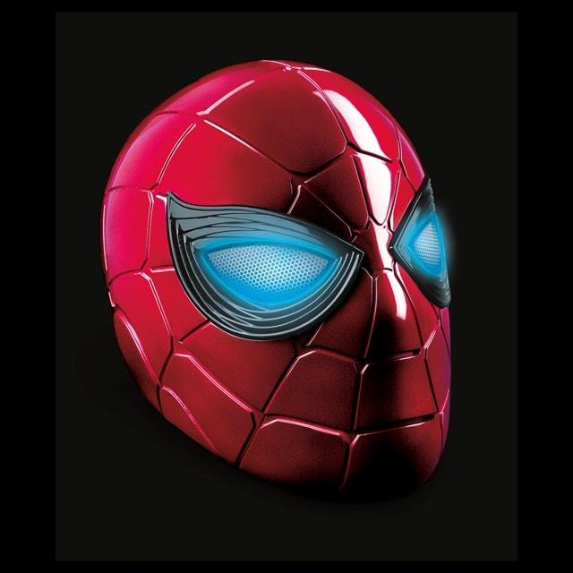 Iron Spider: Spider-Man Hasbro Marvel Legends Series Electronic Helmet - 5