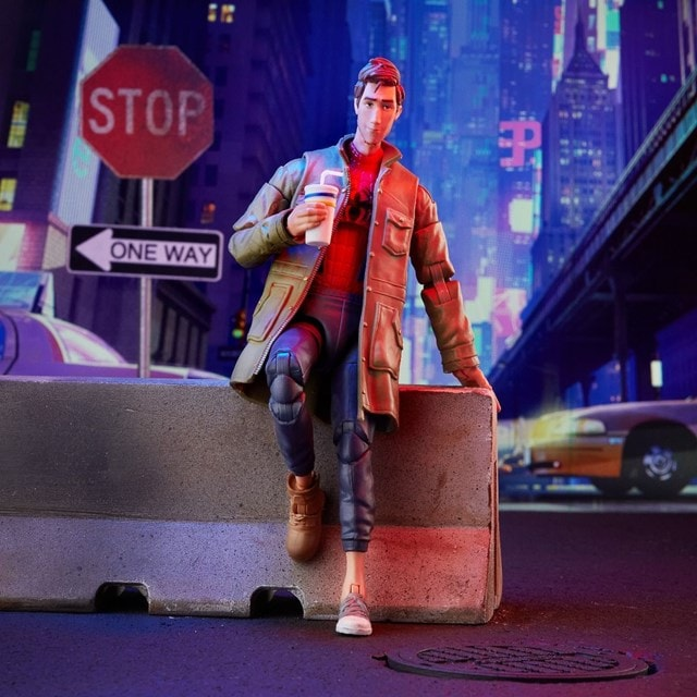 Peter B Parker: Spider-Man: Into The Spider-Verse Marvel Action Figure - 11
