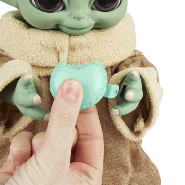 Star Wars Galactic Snackin' Grogu Integrated Play Soft Toy - 4