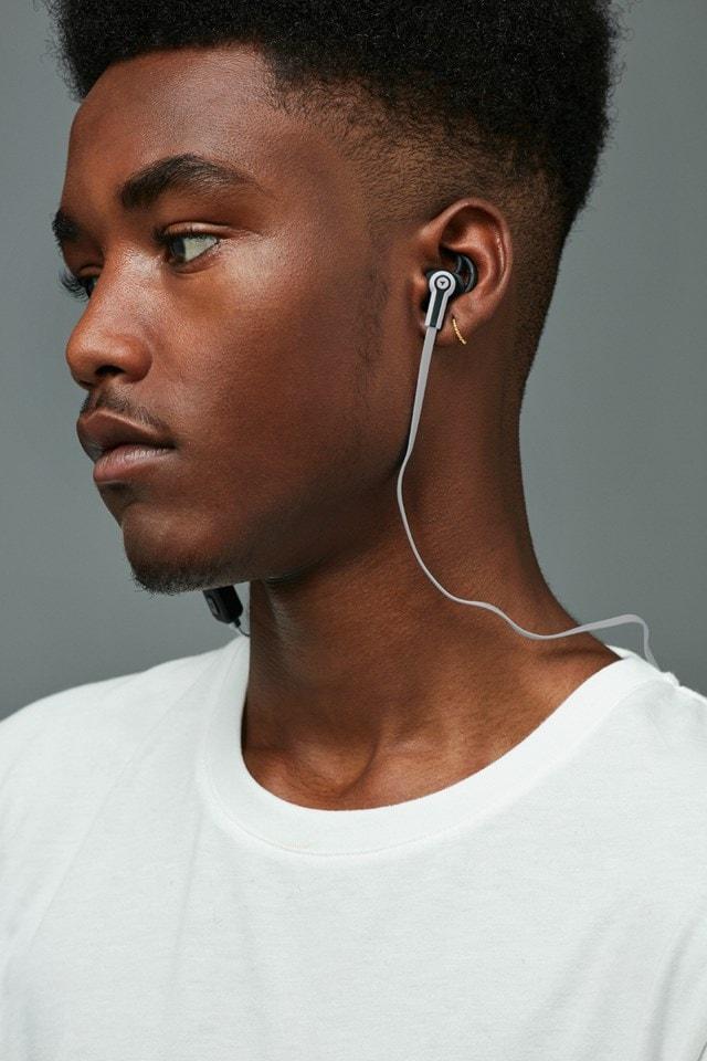 Roam Sport White Bluetooth Earphones (hmv Exclusive) - 4