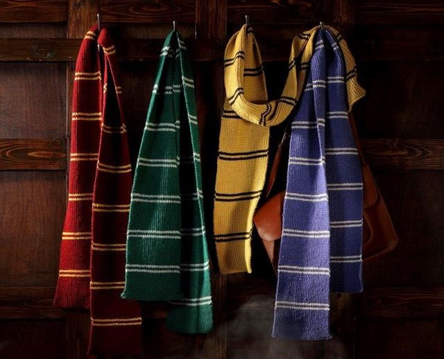 Hufflepuff House Scarf: Harry Potter Knit Kit - 2