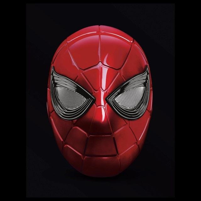 Iron Spider: Spider-Man Hasbro Marvel Legends Series Electronic Helmet - 3