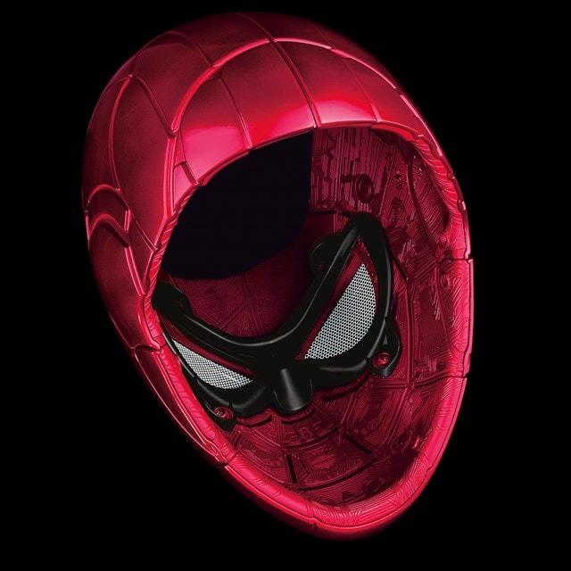 Iron Spider: Spider-Man Hasbro Marvel Legends Series Electronic Helmet - 7