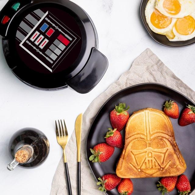 Darth Vader: Star Wars Waffle Maker - 1