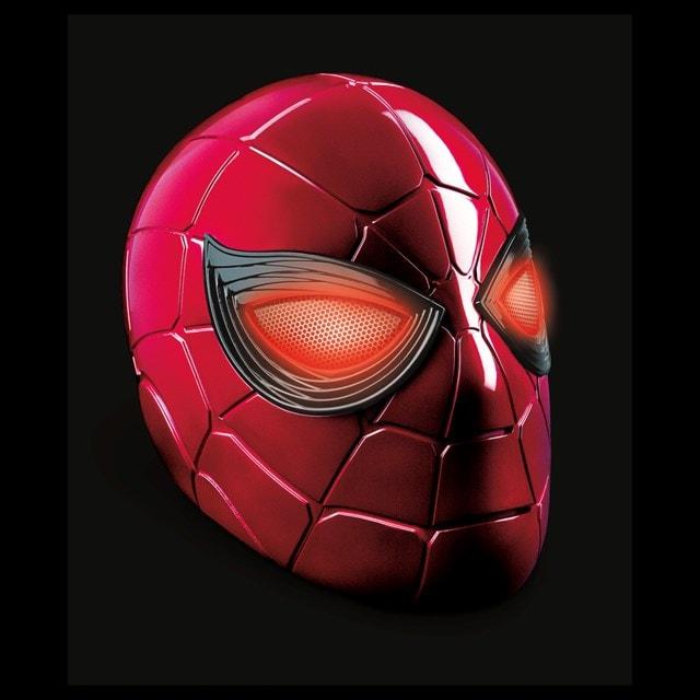 Iron Spider: Spider-Man Hasbro Marvel Legends Series Electronic Helmet - 4