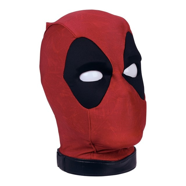 Marvel Legends Premium Interactive Deadpool Head - 4