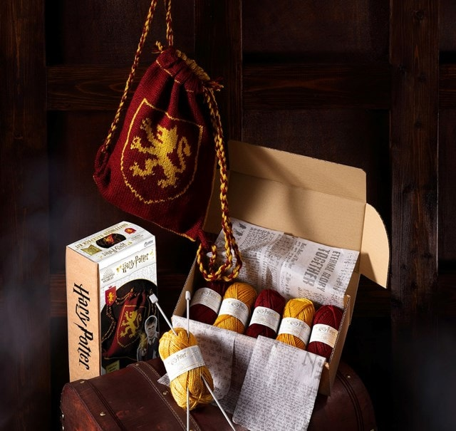 Gryffindor House Kit Bag: Harry Potter Knit Kit - 1