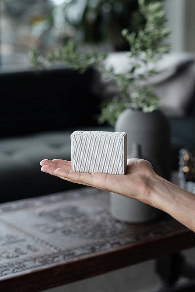 Urbanista Sydney White Mist Bluetooth Speaker - 5