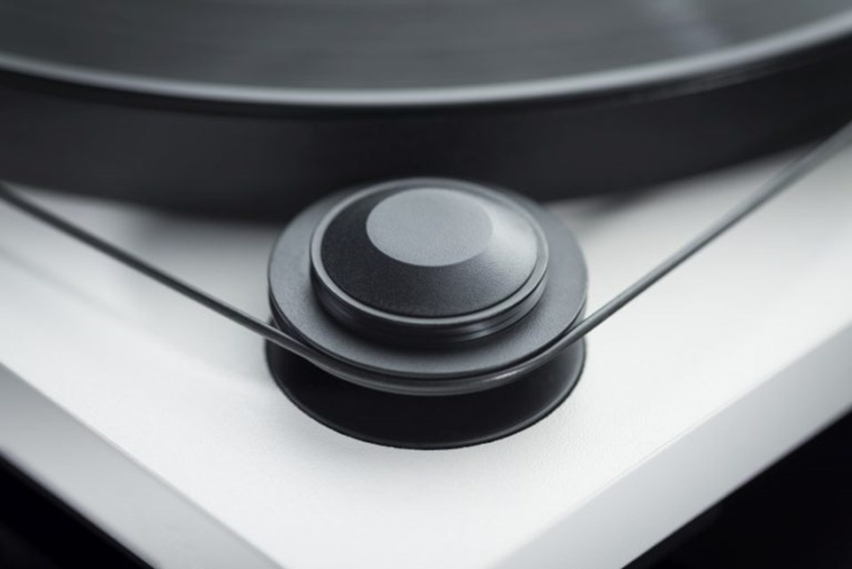 Pro-Ject Primary E Phono White Turntable and Jamo DS4 Speakers - 4