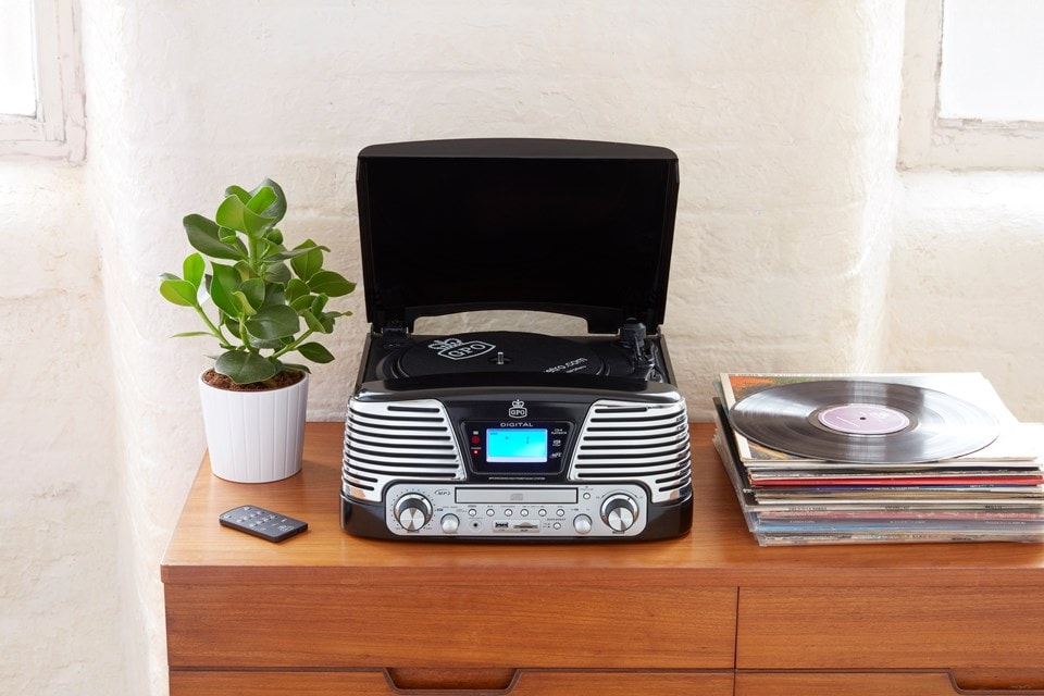 GPO Memphis Black USB Turntable with CD Player & Radio (online only) - 4