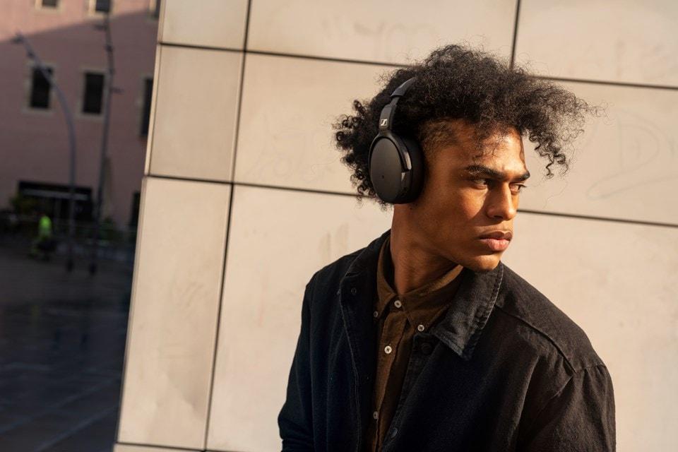 Sennheiser HD 350BT Black Bluetooth Headphones - 4